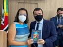 """Câmara de Lagarto aprova Moção de Congratulação que homenageia autores do livro """"No Colo da Piedade"""""""